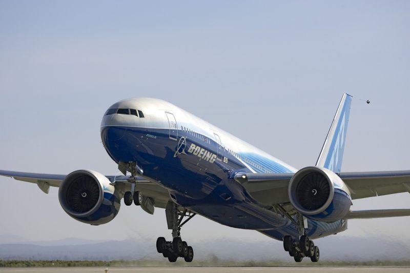 Какой самолет самый безопасный в мире:Boeing 777